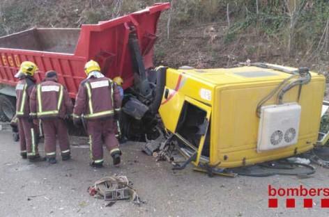 Un herido leve en la C-17 en La Garriga al accidentarse un camión