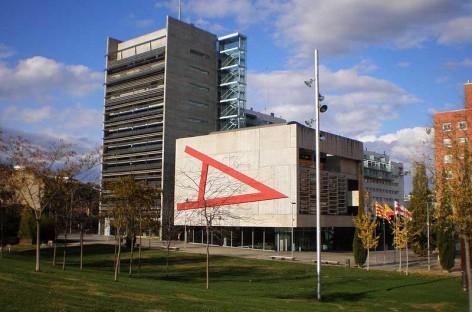 UGT y CGT denuncian que la empresa que limpia los edificios municipales de Mollet no cumple sus compromisos