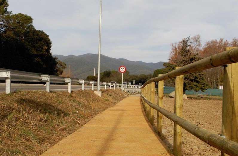 El camino conecta les Pungoles con la residencia