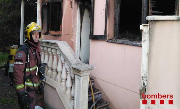 El incendio obligo a intervenir cuatro unidades de bomberos