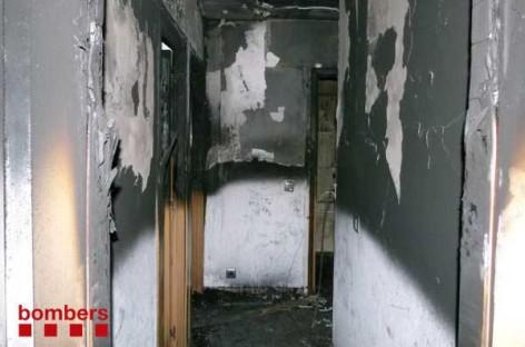 Un incendio calcina una vivienda en Llinars y provoca tres heridos