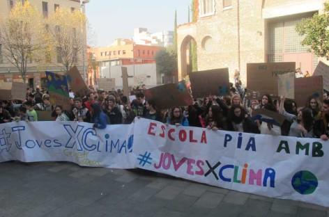 Los alumnos de secundaria de Granollers salen a la calle contra el cambio climático