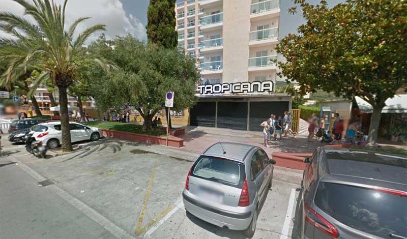 El suceso tuvo lugar delante de la discoteca Tropicana de Malgrat de Mar