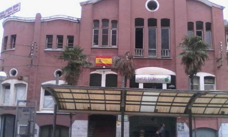La bandera colocada por Piñero