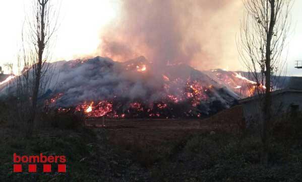 El incendio hacia las 17h de este domingo