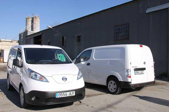 Las dps furgonetas adquiridas por el ayuntamiento de Lliçà d'Amunt