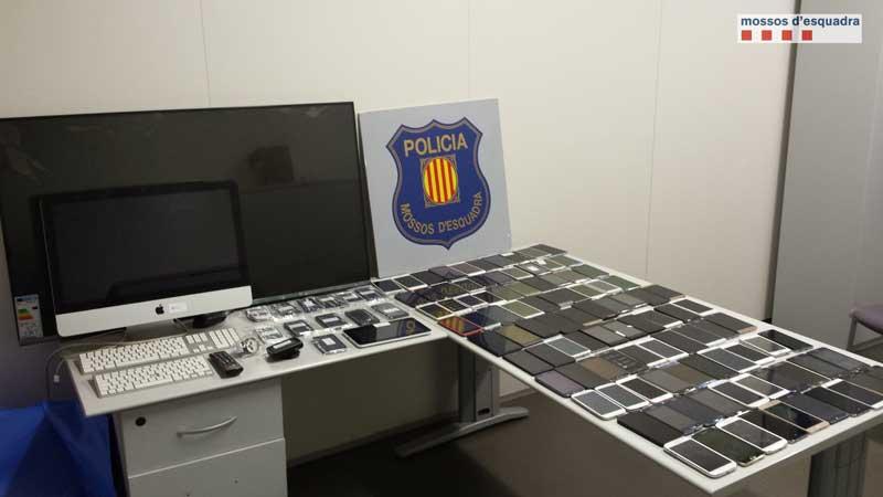 Los móviles fueron robados en varias comarcas, entre ellas el Vallès Oriental