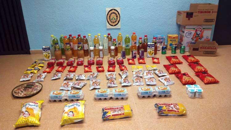 la policía intervino un centenar de productos. Foto. Ajt de Montornès