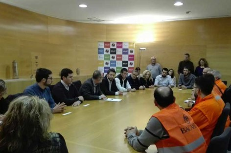 Los alcaldes del Baix Vallès muestran su pleno respaldo a los empleados de Bacardí