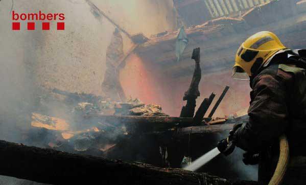 El fuego requirió la presencia de cinco unidades de bomberos