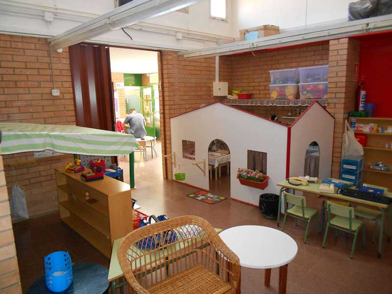 Vista del interior de la escuela. Foto: Escola Jacint Verdaguer