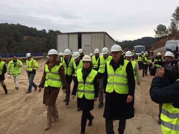 La Ministra Ana Pastor durante la visita a las obras