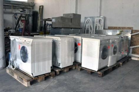 Henkel regala 14 lavadoras a familias necesitadas de Montornès