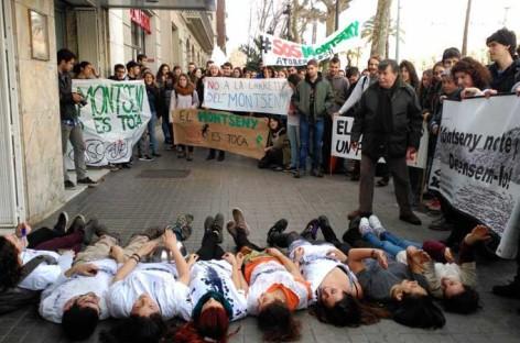 Concentración en Barcelona en contra de la carretera a Sant Marçal