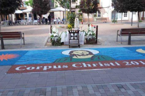 Mitja dotzena de poblacions del Vallès commemoren el Corpus amb catifes