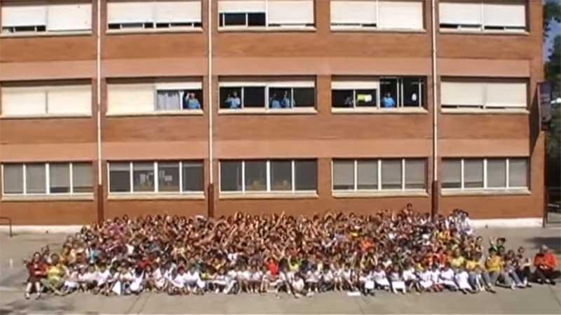 Fragmento de un Lipdub  de la Escola El Viver, uno de los centros educativos de Montcada