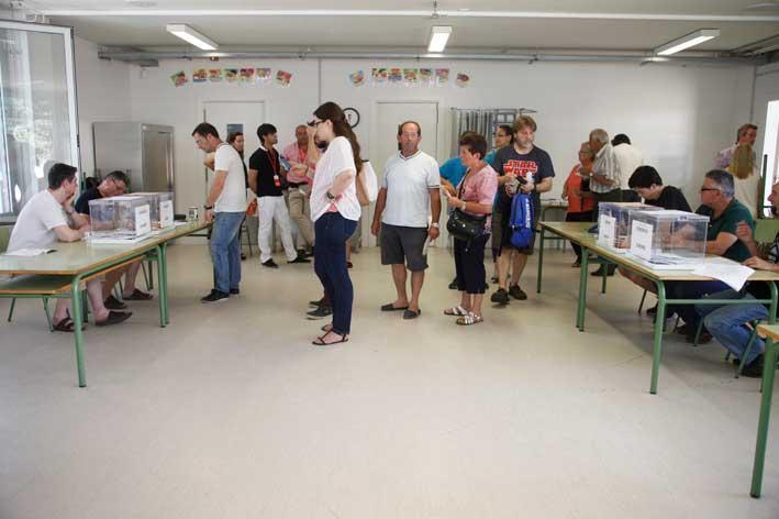 Electores de Parets votando el 26J. Foto: Ajt. de Parets
