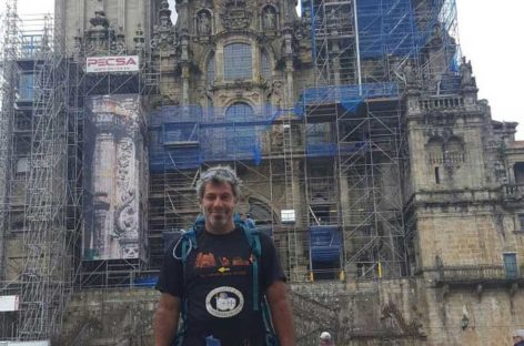 El Mosso de Granollers llega a Santiago tras caminar 3000 quilómetros