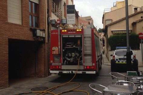 Susto en el centro de la Garriga a causa de un pequeño incendio