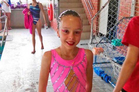 La canovellense Valeria Parra, campeona de Catalunya de natación sincronizada