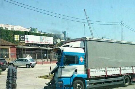 Dos camiones colisionan en la C-17 a la altura de Parets