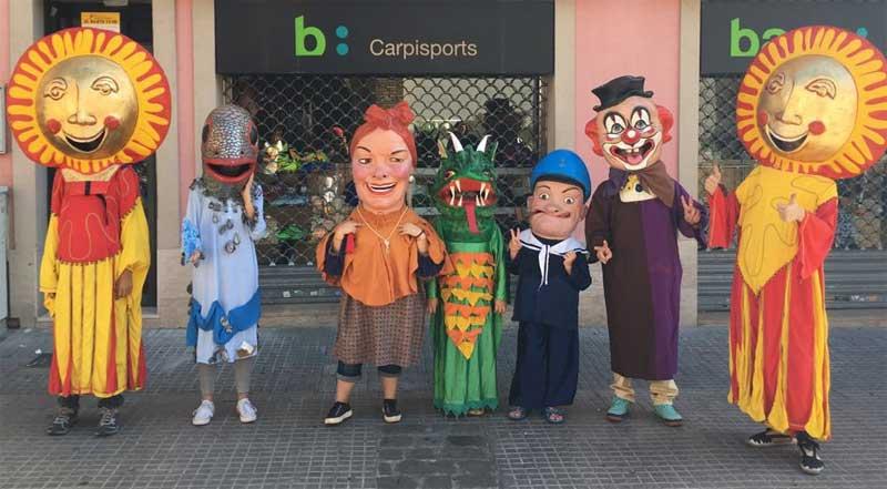 Este año las calles estaban decoradas con motivos carnavalescos. Foto: Ajt. de Mollet