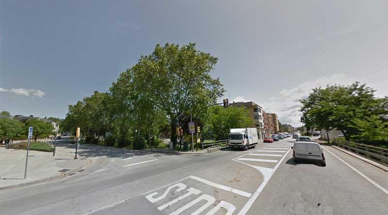 El accidente se ha producido en la calle de la Riera, junto al cruce con la Avinguda Onze de Setembre