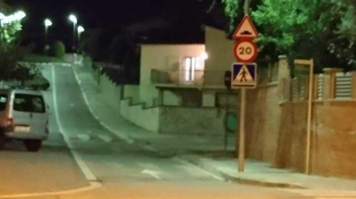 Vecinos de Montornès se movilizan contra la ocupación de viviendas por parte de familias gitanas