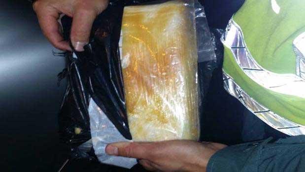 La droga encontrada bajo la sillita del bebé. Foto: Guardia Civil