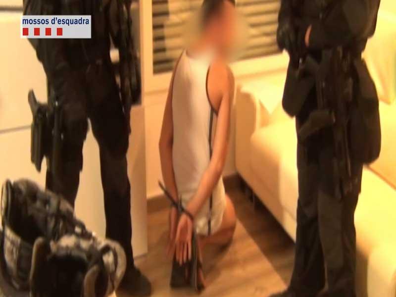 Una de las detenciones realizadas por los Mossos