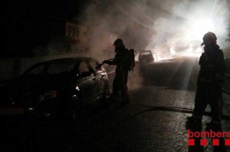 Incendio de cinco coches en l'Ametlla y Montornès
