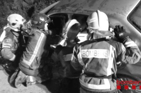 Cinco heridos leves en un choque entre dos coches en Les Franqueses