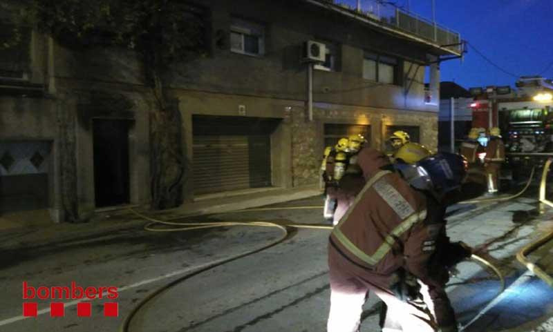 Los bomberos apagaron el fuego rápidamente