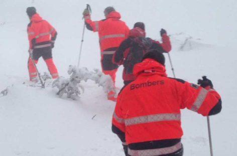 Los bomberos rescatan otro excursionista perdido en el Matagalls