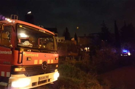Un vecino de Sant Celoni herido leve al incendiarse la chimenea de su casa
