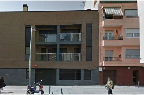 Seis familias de la Llagosta se quedan sin los pisos que acababan de comprar al ser ocupados a la fuerza por un grupo de jóvenes