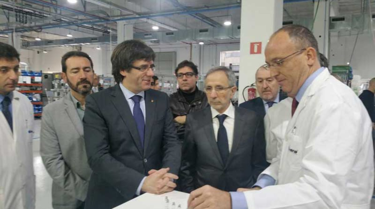 Dara muestra a Puigdemont la ampliación de su planta de Granollers