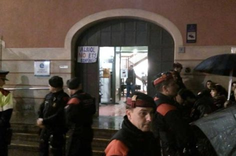Escrache de la CUP al dirigente del PP Xavier García Albiol en Mollet