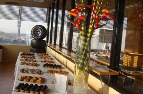 El Xiprer de Granollers recibe 800 kilos de alimentos que le sobraron al Circuit en los Fórmula One Test Days