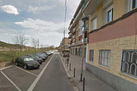 Una mujer de Montcada apuñalada en la calle por su pareja cuando paseaba con su bebé de dos meses
