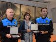 Reconocimiento a dos policías de Montornès que le salvaron la vida a una vecina