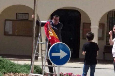 Nuevo episodio de la guerra de banderas en Cardedeu