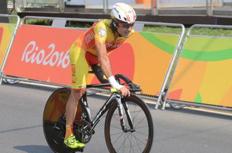 El ciclista paralímpico JuanJo Méndez atropellado en Sant Fost mientras entrenaba