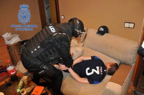 La Policia Nacional desarticula en Montornès una banda que abastecía todo el Vallès Oriental de cocaína, metanfetamina y otras drogas