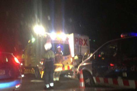Tres jóvenes mueren en la AP-7, en Sant Celoni, al chocar su coche con un camión
