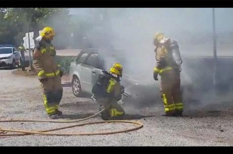 Incendio de un coche en la C-17, a la altura de l'Ametlla