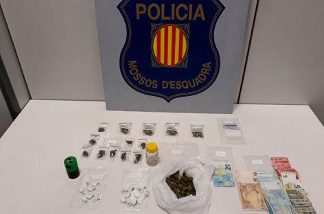 Dos vecinos de Montornès detenidos en Montmeló mientras vendían droga en la calle