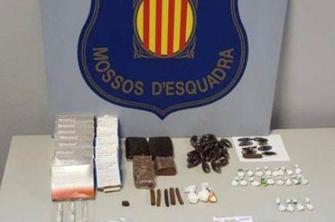 Detenida una banda que regentaba un narcopiso en un barrio de Mollet