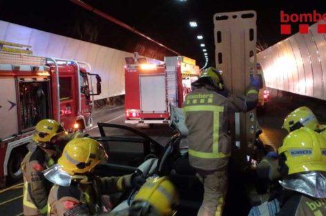 Un herido leve en un accidente en el interior del túnel de Parpers