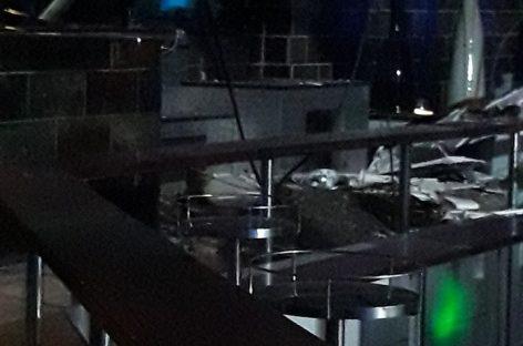 El Ayuntamiento de Canovelles cierra provisionalmente la discoteca Aigua por el hundimiento del techo